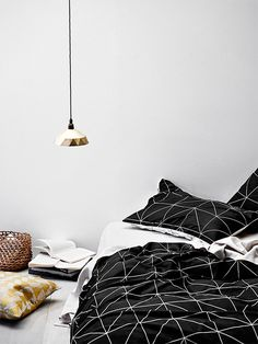 Aura Home // Bedding set // Black and white bedding set
