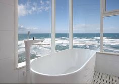 Bathtub over looking the ocean