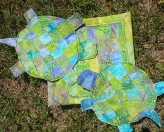 Sea Turtle Mug Rugs tie die pieced turtle coasters quilted patchwork coasters beach house decor vegan ecofriendly by elainenthesun on Etsy