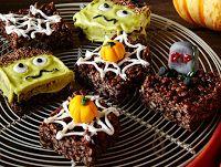 Halloween Marshmallow Crispies Recipe on Yummly halloween marshmellows Halloween Brownies, Halloween Snacks, Halloween Fingerfood, Recetas Halloween, Holiday Snacks, Cereal Recipes, Brownie Recipes, Dessert Recipes, Desserts