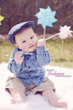 newsboy hats, brothers, pinwheels, spring, photo idea,
