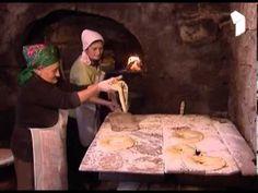 ეთნოგრაფიული ნარკვევები - ხიზაბავრულა / Ethnography essays - Khizabavrula - YouTube Bread, History, Pizza, Middle, African, Cooking, Food, Youtube, Arabic Sweets