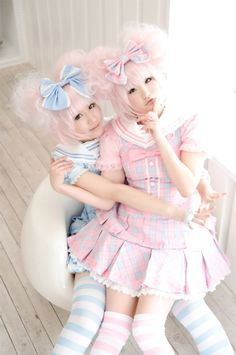 Not lolita, this is (maybe) a pastel nanchatte duo Japanese Street Fashion, Tokyo Fashion, Harajuku Fashion, Kawaii Fashion, Lolita Fashion, Cute Fashion, Girl Fashion, Estilo Lolita, Grunge Goth