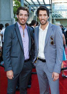 Jonathan Scott & Drew Scott on 2010 Leo Awards Red Carpet