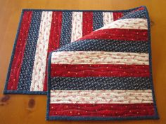 Quilted Table Runner Patriotic by PatchworkMountain on Etsy Table Runner And Placemats, Table Runner Pattern, Quilted Table Runners, Quilt Placemats, Small Quilts, Mini Quilts, Place Mats Quilted, Quilt Of Valor, Patriotic Quilts