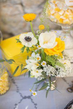 Sweet Candy Table Hochzeitskonzept moderner Style mit Vintageelementen. Frühlingshochzeit auf der Maisenburg in Hayingen. Hochzeitstorte, Naked Cake, Cupcakes, Cake-Pops aus der Backstube von www.suess-und-salzig.de Mehr Bilder unter http://www.backlinse.de/2015/04/sweet-candy-table-auf-der-maisenburgsonnige-fruehlingshochzeit-auf-der-maisenburg/ Fotos Pinnwand @Ronja Krohz