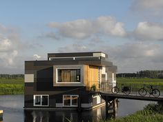 """Waterwoning"" Floating Houses Lelystad"
