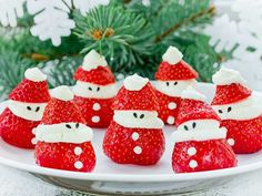 Santa Pancakes Decorated with strawberries and fresh whipped cream Fun Christmas Breaktfast Ideas Christmas Punch, Christmas Snacks, Christmas Breakfast, Christmas Decorations, Xmas, Christmas Ornaments, Christmas Ideas, Santa Pancakes, Gingerbread Man