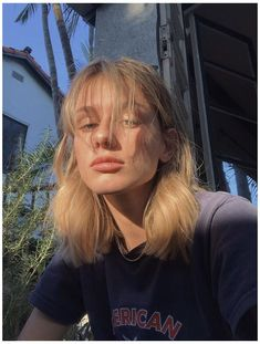 Blonde Hair With Bangs, Short Hair With Bangs, Hairstyles With Bangs, Pretty Hairstyles, Haircuts, Blonde Short Hair, Blond Shoulder Length Hair, Bangs Medium Hair, Blonde Hair Girl