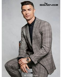 Cristinao Ronaldo, Cristiano Ronaldo Cr7, Cr7 Jr, Portugal National Team, God Of Football, Men Formal, Best Player, Bollywood Actors, Lionel Messi