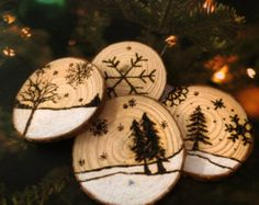 Wood Burned Log Slice Christmas Tree Decoration by AliBongoArt Wood Slice Crafts, Wood Burning Crafts, Wood Burning Art, Wood Ornaments, Christmas Tree Ornaments, Christmas Decorations, Christmas Trees, Christmas Lights, Christmas Projects
