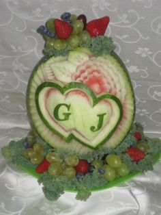 Watermelon Carving Easy, Watermelon Wedding, Couple Shower, Cool Art Drawings, Fruit And Veg, Rehearsal Dinners, Avocado Toast, Food Art, Bridal Shower