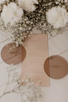 miet me at the wedding Seating Plan Wedding, Wedding Signage, Wedding Table Numbers, Beige Wedding, Floral Wedding, Our Wedding, Unique Wedding Stationery, Wedding Stationary, Wedding Name Cards