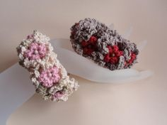 お花ブレスレット(シュシュやアームバンドにも・・)の作り方|編み物|編み物・手芸・ソーイング | アトリエ|手芸レシピ16,000件!みんなで作る手芸やハンドメイド作品、雑貨の作り方ポータル