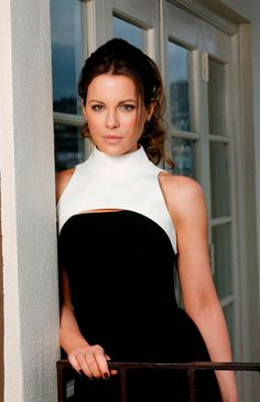 babes with pretty faces Kate Beckinsale Pictures, British Costume, Celebs, Celebrities, Beautiful Actresses, Most Beautiful Women, London, Beauty Women, Lady