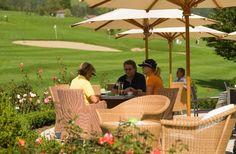 golf - aktiv im brandnertal - vorarlberg - sommer im Hotel Walliserhof Design Hotel, Outdoor Furniture Sets, Outdoor Decor, Modern, Aktiv, Golf, Home Decor, Tourism, Garden Furniture Sets
