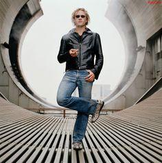 Picture of Heath Ledger Heath Legder, Heath Bars, Heath Ledger Joker, A Knight's Tale, Film Song, Australian Actors, Bad Boys, Beautiful Men, Hot Guys