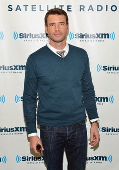 Jake Ballard ouffff aka Scott Foley
