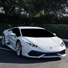Lamborghini Huracan LP 610-4... Still battling if Huracan is prettier than Gallardo...