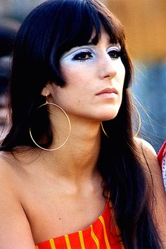Cher in the sixties. Jane Asher, Pattie Boyd, Charlotte Rampling, Catherine Deneuve, Twiggy, Alexa Chung, Brigitte Bardot, Divas, 1960s Makeup