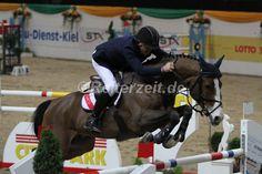 Cameron Hanley gewinnt Siegerrunde am Samstag in Stuttgart. http://reiterzeit.de/turnierergebnisse-reitsport/stuttgart-german-masters/#16