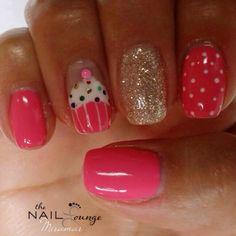 Cupcake nail art design