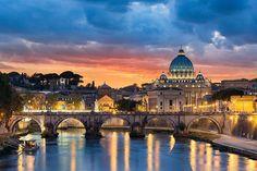 Sunset in Rome ⠀⠀⠀⠀⠀⠀⠀⠀⠀ ⠀⠀⠀⠀⠀⠀⠀⠀ #italy #italyiloveyou #italygram…