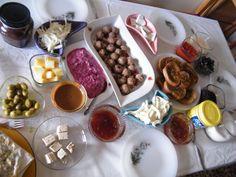 geçen gün biz kahvaltıdaaaa:)))