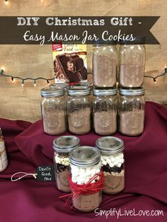 DIY Christmas Gift - Easy Mason Jar Cookies