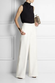 Palazzo Pants Outfit For Work. 14 Budget Palazzo Pant Outfits for Work You Should Try. Palazzo pants for fall casual and boho print. Office Looks, Palazzo Pants Outfit, Wide Pants Outfit, Trouser Outfits, Office Fashion, Work Fashion, Emo Fashion, Curvy Fashion, Street Fashion