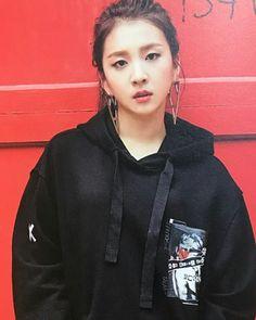 Mini Album You & Me photo-book scans✨ How cute😍💕 ~ K Pop, Hyuna Red, Kard Bm, All About Kpop, Sistar, Korean Star, Wattpad, Pop Bands, Kpop Outfits