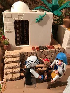 zapatero Toy Display, Cool Toys, Ideas Para, Christmas Time, Backdrops, Lego, Dolls, Cool Stuff, Hobbies
