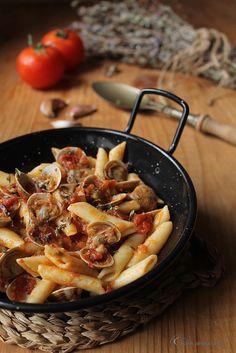 Cocina compartida: Macarrones con almejas y salsa de tomate