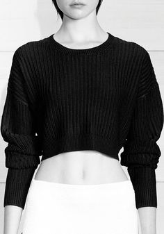 I love this short sweter!
