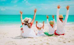 Πως θα ετοιμάσεις εύκολα τις βαλίτσες για τις διακοπές όλης της οικογένειας! | ediva.gr Summer Sun, Summer Time, Beach Canopy Tent, Tent Tarp, Fine Sand, Free Beach, Windy Day, Beach Blanket, Outdoor Camping