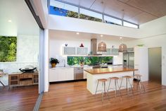Queensland Homes Blog » Real Home: From the street there are no clues what lies beyond the front door of this sleek Noosa home. » Queensland Homes Blog