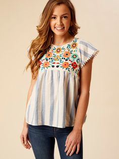 d State Marietta Top Modest Outfits, Boho Outfits, Pretty Outfits, Summer Outfits, Cute Outfits, Boho Fashion, Womens Fashion, Fashion Shoes, Make Your Own Clothes