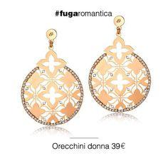 Orecchini in metallo con bagno in oro rosa e cristalli bianchi Luca Barra Gioielli. #orecchini #donna #lucabarragioielli #newcollection #glamour