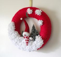 Snowman Wreath, Winter Wreath, Red Wreath, Felt and Yarn Wreath, 12 inch size…