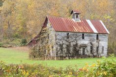 Fixer Upper Barn Photograph by Jo Ann Tomaselli - Fixer Upper Barn Fine Art Prints and Posters for Sale