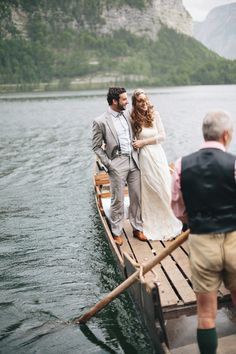 Hallstatt wedding in Austria, romantic vintage wedding inspiration, Salzburg wedding, bridal couple, Boat tour, Hochzeitsplaner Österreich http://verenakindermann.com Photography: Thomas Steibl, Dress: Elfenkleid, Hair & Make-up: Lela Siebert