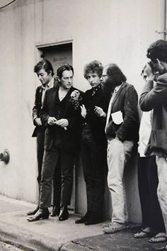 From left to right: Robbie Robertson, Michael McClure, Bob Dylan, Allen Ginsberg in the alley (now Jack Kerouac Alley) between Vesuvio Café and City Lights bookstore, San Francisco. Dale Smith is the photographer at far right. Photo by Jim Marshall Allen Ginsberg, Bob Dylan, Woodstock, Jack Kerouac, Blonde Album, City Lights Bookstore, Jim Marshall, Marshall Music, Robbie Robertson