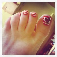 Cute Fourth of July toes! With blue heart, no gems though!