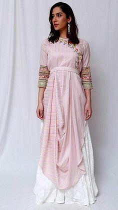 Kurti Designs Party Wear, Kurta Designs, Blouse Designs, Western Dresses, Indian Dresses, Pakistani Outfits, Indian Outfits, Indian Designer Outfits, Designer Dresses