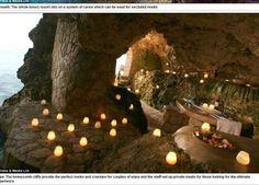 Uma caverna na Jamaica virou um resort de luxo de deixar qualquer um hipnotizado.As informações são do DailyMail