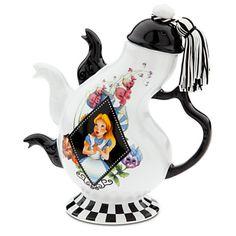 Alice in Wonderland Tea Pot. Oh my gosh i love this!!!