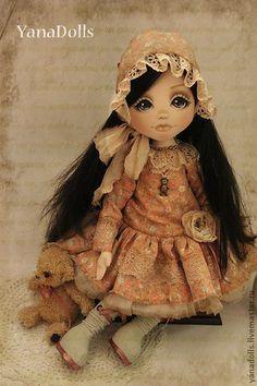 Ника. Куколка Ника, 46 см.Lo♥e this doll Стоит с помощью подставки, сидит с опорой. волосы можно расчесывать, Ручки гнутся. Одета в платье из хлопка, украшено кружевами. На ножках сапожки ручной работы и конечно же девчоночьи  батистовые…