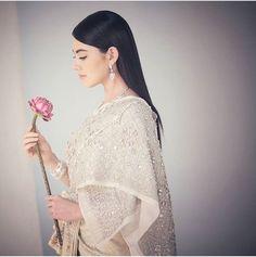 I'm proud to be Thai ❤ Thai Traditional Dress, Traditional Wedding Dresses, Traditional Outfits, Thai Wedding Dress, Khmer Wedding, Thailand Outfit, Oriental Dress, Thai Dress, Thai Style