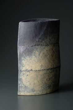Mihara Ken http://decanteddesign.com/2014/12/13/japanese-artist-mihara-ken-experiments-with-multiple-firing-techniques-of-his-ceramics-elaboration-on-his-technique-can-be-found-at-the-toku-art-site-see-blogroll-for-a-link-under-mihara-ken-http/