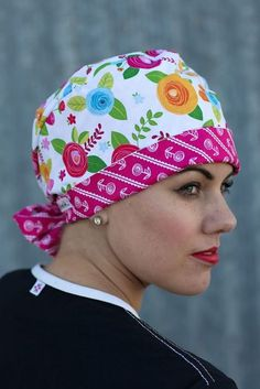These designer quality surgical scrub caps by KimKaps feature an elastic back with fabric ties for knots or bows. Perfect for adding style to your scrubs. Scrub Hat Patterns, Hat Patterns To Sew, Hat Pattern Sewing, Scrubs Pattern, Free Pattern, Bonnet Pattern, Nurse Hat, Hat Tutorial, Surgical Caps
